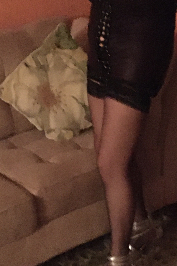 Escort in Montreal: Linda (6am to 6pm)Mature (50), Outcall only, 514-688-5811